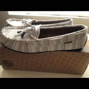 Lamo moc women's shoe size 8